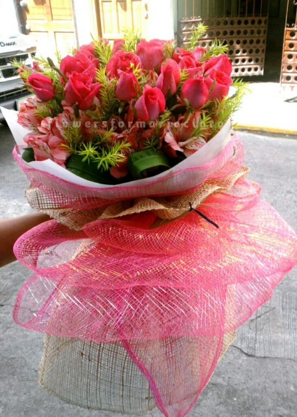 Flowers bouquet delivery in Valenzuela